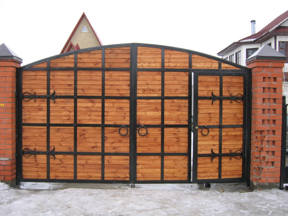 Ворота в частном доме видео